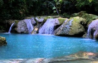 beautiful swimming holes in the world
