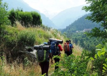 Hampta Circle Trek in Manali
